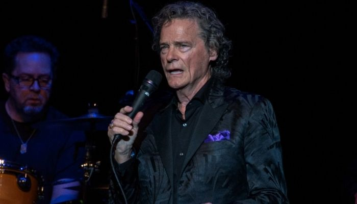 B.J. Thomas Has Tragically Died From Lung Cancer